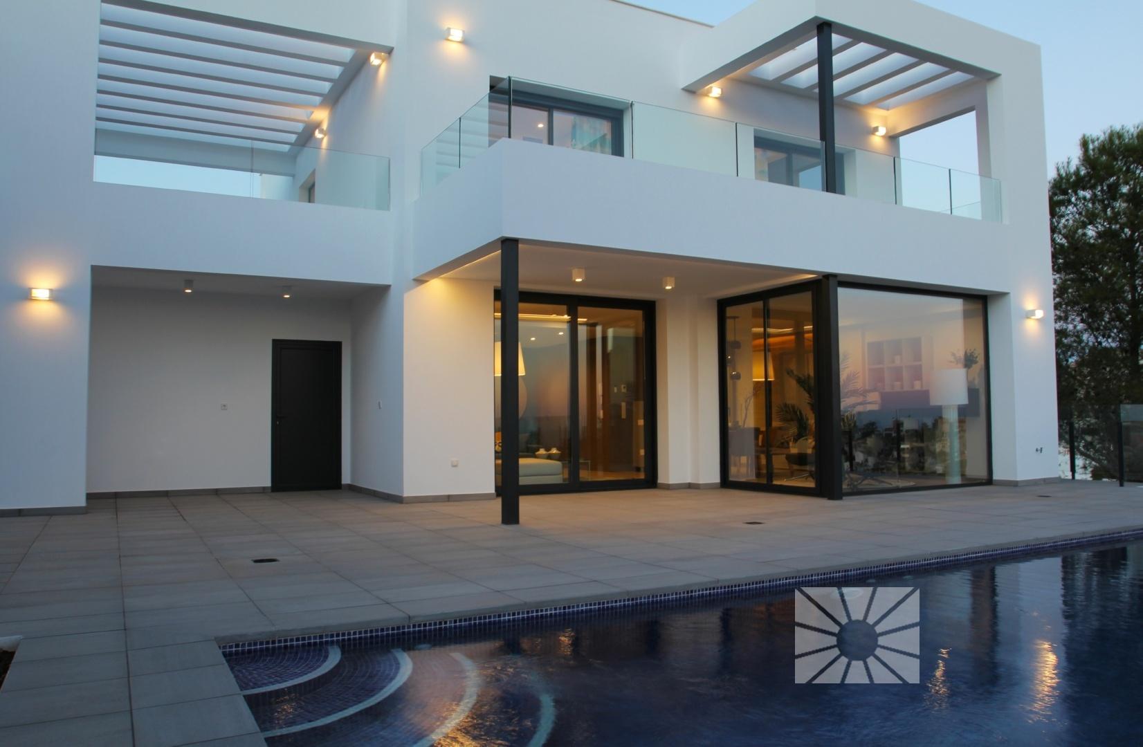 Magnolias For Life Cumbre del Sol Moderne Villa Zum verkauf ...